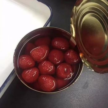 2600g Canned Strawberry in Light Syrup